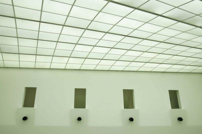 Archiktekturfotografie Aschaffenburg: In der Nachbereitung der Architekturfotos werden Objektivfehler, die auch bei Hochleistungsobjektiven auftreten können, entfernt bzw. korrigiert.