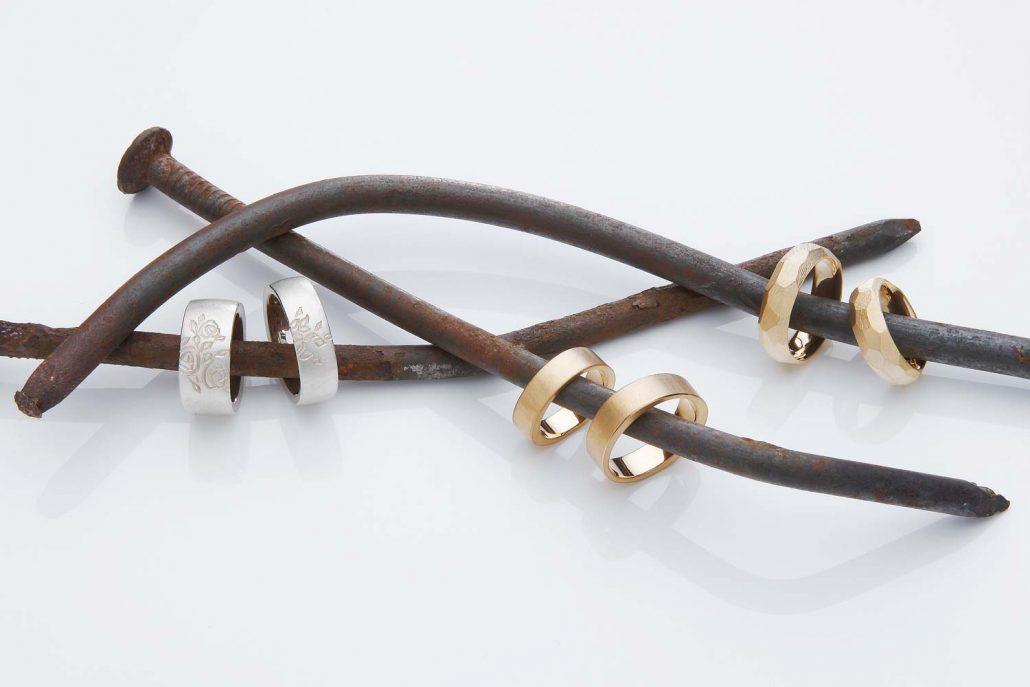 Der Schmuckfotograf in Aschaffenburg: Fotos von Schmuck, Ringen, Halsketten und Uhren für Online-Shops und eCommerce-Plattformen die überzeugen. Schmuckfotografie in Aschaffenburg.
